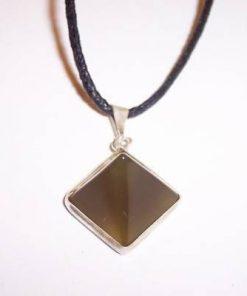 Pandantiv din agat in forma de piramida - model deosebit !