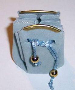 Saculet din catifea bleu cu siret pentru inchidere