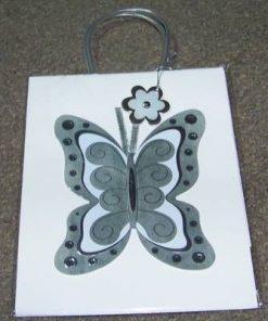 Punguta cadou cu fluturele dragostei - alb/argintiu