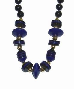 Colier cu elemente bleumarin si negre