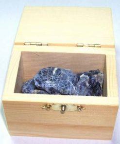 Cufar din lemn cu cristale in forma bruta - SODALIT