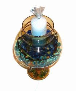 Vaza din sticla maro cu lumanare multicolora