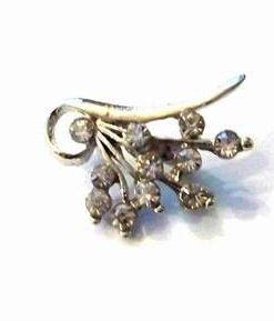 Brosa eleganta-floare argintie cu cristale