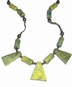 Colier din jadeit cu metal nobil