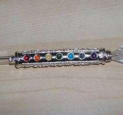 Bagheta celor 7 chakre argintata si cristal de stanca