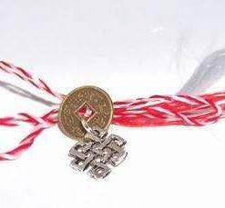 Nodul Mistic cu moneda pe snur de Martisor