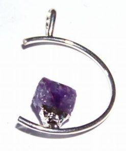 Pandantiv argintat cu cristal de ametist - model deosebit!