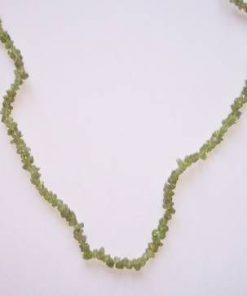 Colier din olivina - piatra mica, aspect delicat