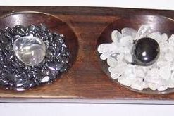 Set de cristale Yin Yang, in suport de lemn