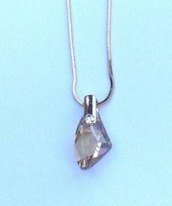 Pandantiv cu cristale Swarovski multifatetate si metal