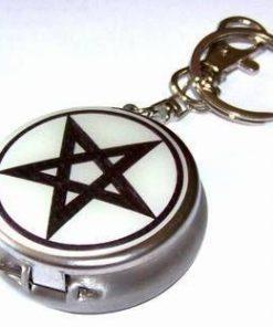 Cutiuta metalica cu pentagrama magica - tip breloc